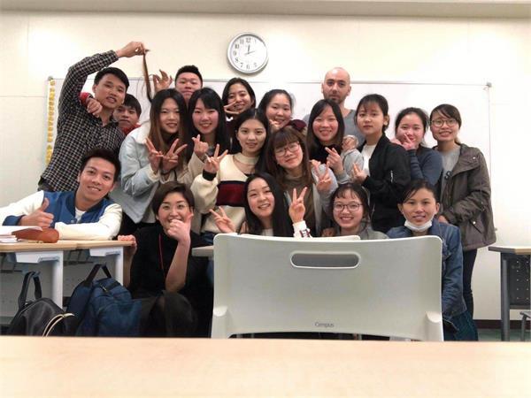 潍坊哪所学校开设日语专业?有日本留学班?
